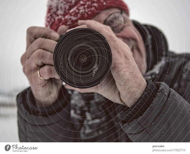 Little Red Riding Hood Human being Masculine Face Eyes Hand 1 Winter Snow Looking Joy Happiness Cap Camera Objective Ring Person wearing glasses Reporter