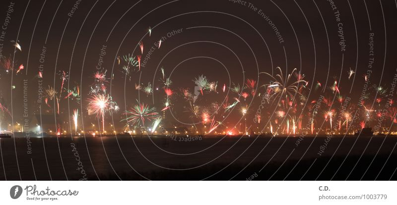 2015 Town Dark Enthusiasm Euphoria New Year's Eve Firecracker Port City Harbour River bank Explode Colour photo Deserted Copy Space bottom Night Long exposure