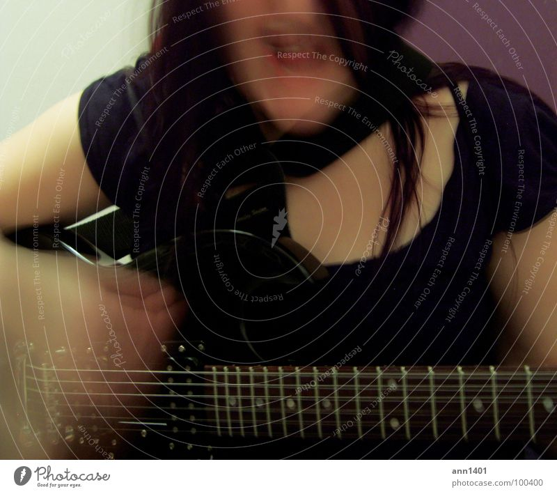 Woman Joy Black Dark Hair and hairstyles Music Mouth String Concert Rock music Passion Guitar Sound Sing Musician