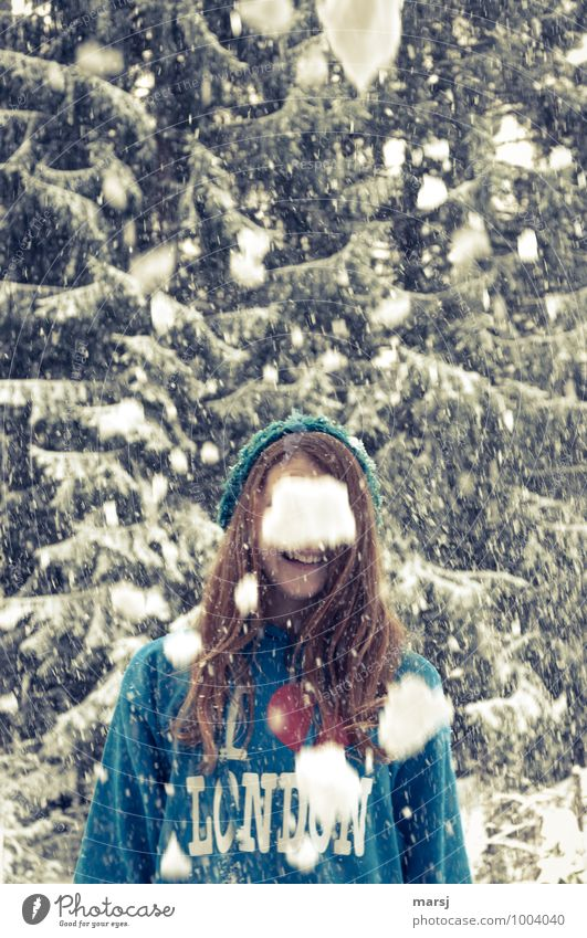 finally snow! Human being Feminine Young woman Youth (Young adults) 1 13 - 18 years Winter Snowfall Joy Happiness Joie de vivre (Vitality) Hope Cold Concealed