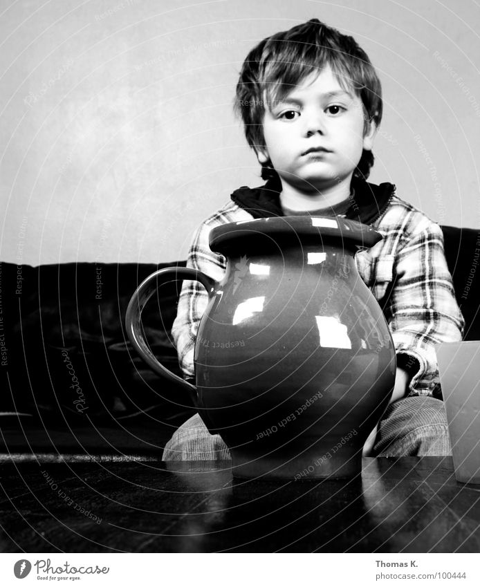 Indian peace is the strength. Child Boy (child) Happiness Calm Water jug Mug Concentrate potrtrait Face Happy Past Power