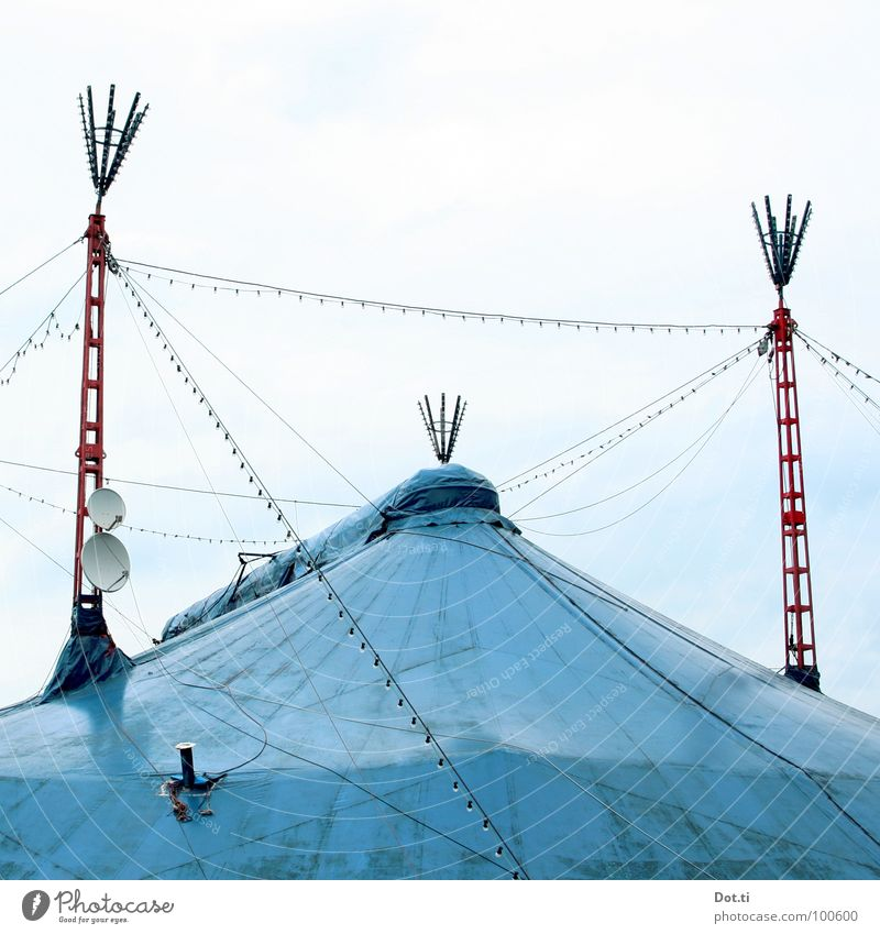 chapiteau Joy Entertainment Circus Event Shows Roof Satellite dish Point Blue Red Symmetry Circus tent Tarpaulin Azure blue Stitching TV reception Fairy lights