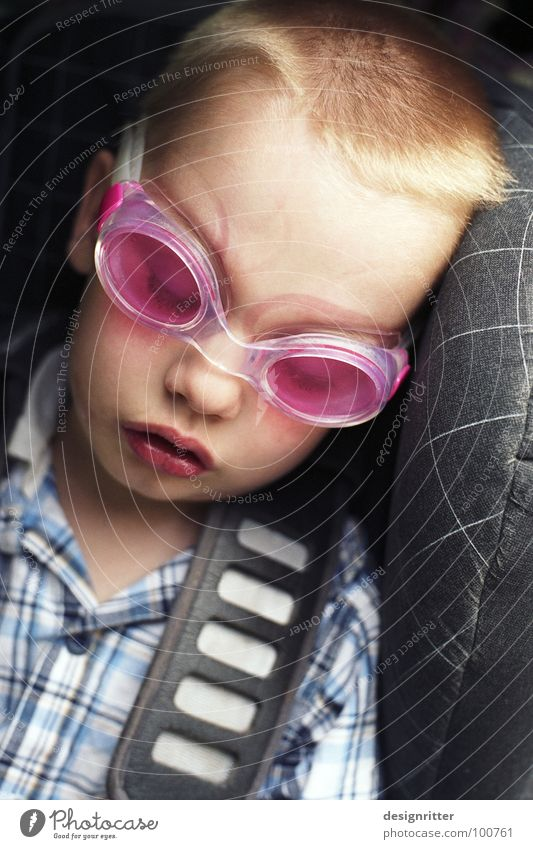 Child Joy Boy (child) Playing Car Pink Sleep Bathroom Swimming pool Eyeglasses Dive Fatigue Effort Completed Belt