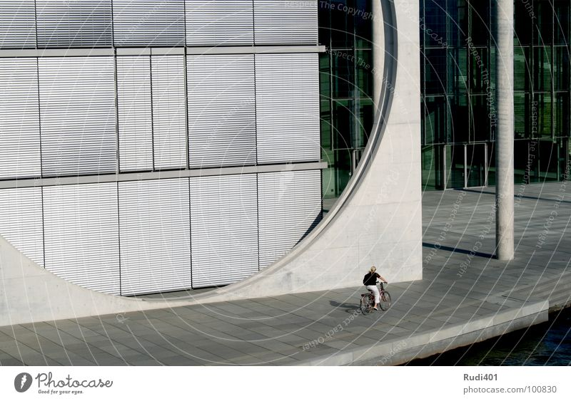 Human being Loneliness Cold Berlin Bicycle Small Circle Modern Driving Round Capital city Sharp-edged Seat of government Spreebogen