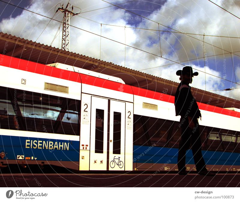 METROPOLITAN WESTERN Means of transport Tram Underground Commuter trains Lichtenberg Stock market Get in Resign Desire Seating Standing room Overnight train