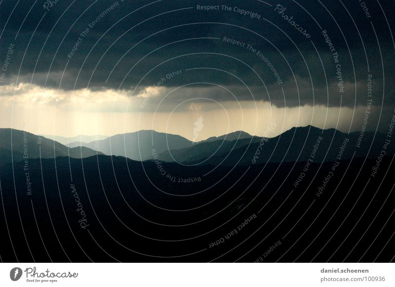 Sun Summer Clouds Dark Mountain Rain Fear Background picture Weather Dangerous Threat Gale Hill Thunder and lightning Panic Beam of light