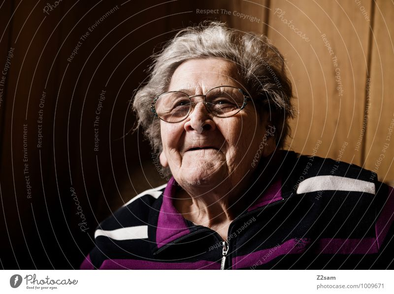Good soul Female senior Woman Grandmother 60 years and older Senior citizen Eyeglasses White-haired To enjoy Smiling Laughter Looking Old Authentic Friendliness