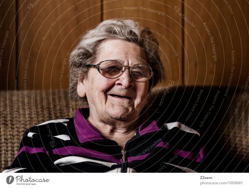 Woman Old Calm Joy Senior citizen Feminine Natural Style Happy Healthy Laughter Lifestyle Flat (apartment) Living or residing Elegant Contentment