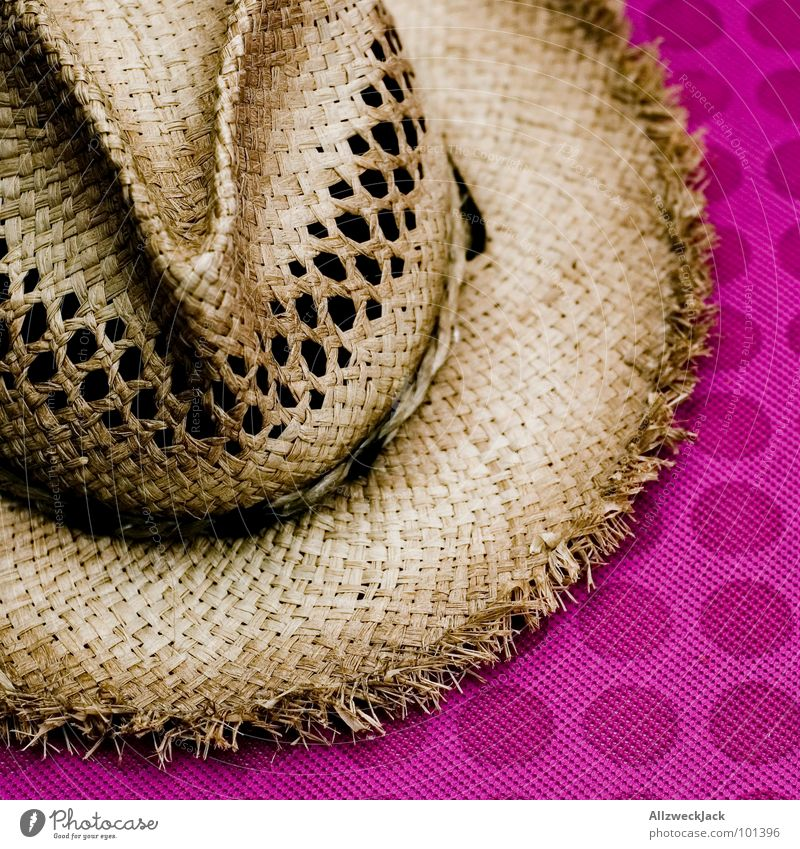 Crocodile Dundee with Mutti Straw hat Headwear Farmer's hat Blade of grass Dried Cap Style Circle Coffee break Break Clothing Boredom Hat Weather protection