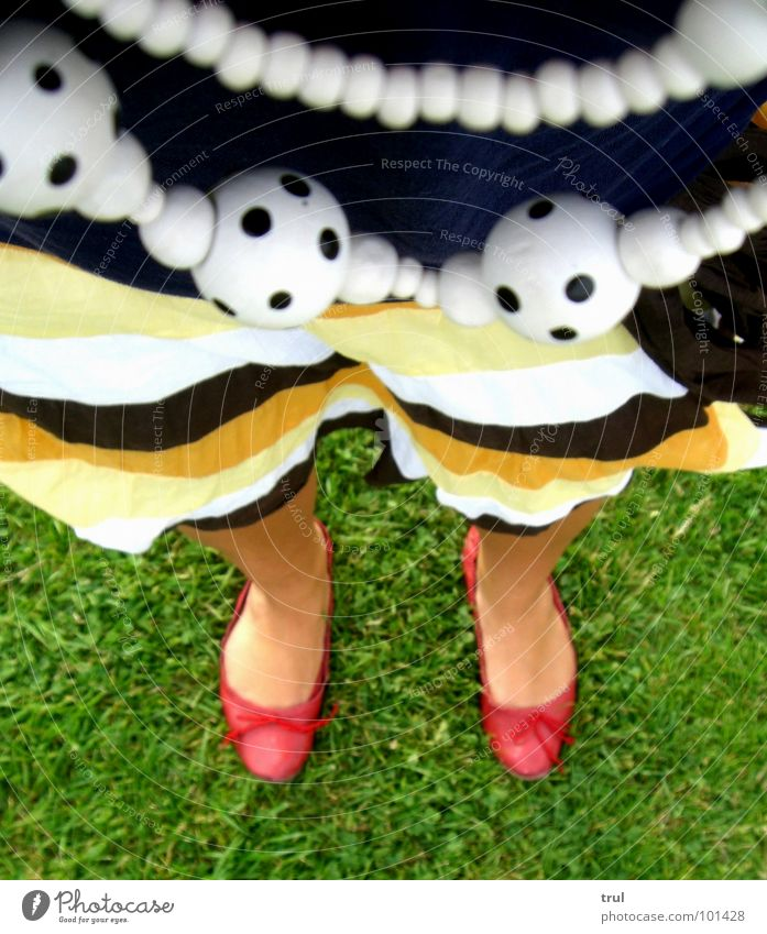 Red Summer Meadow Grass Clothing Chain Ballerina