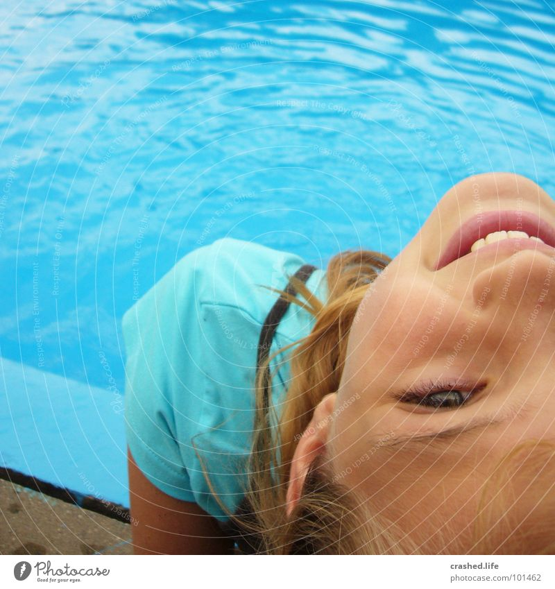 Janina at the pool Swimming pool Cold T-shirt Joy Youth (Young adults) Child Water Mouth Nose Eyes Face Ear Blue Teeth
