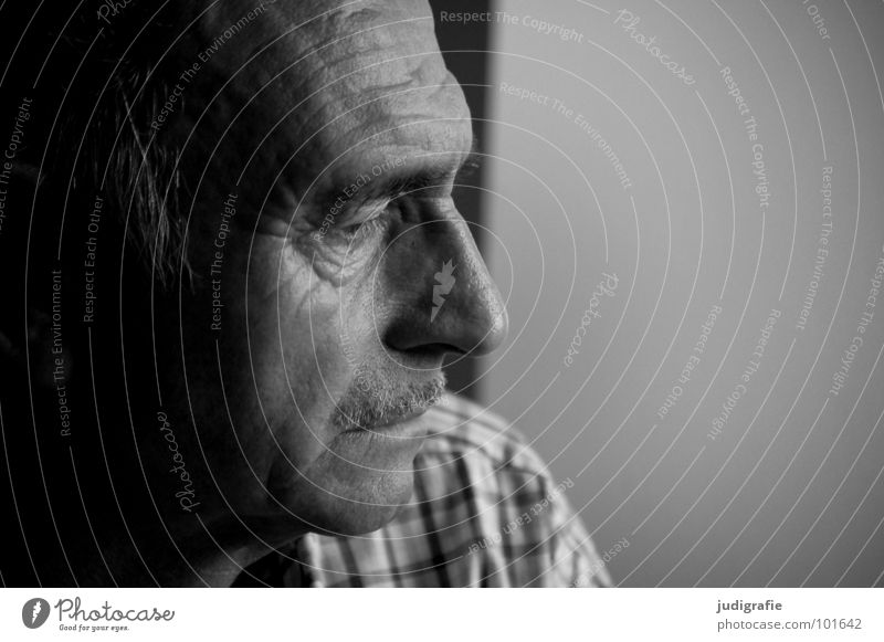 thinking Portrait photograph Man Senior citizen Disbelief Skeptical Expectation Facial hair Wisdom Think Philosopher Paternal instinct Checkered