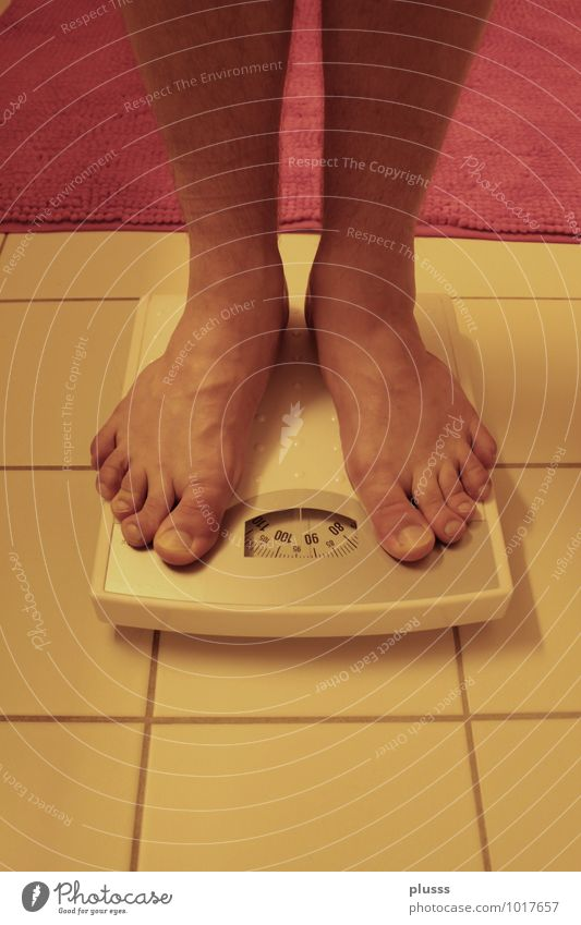 Eat half! Body Healthy Eating Fitness Overweight Legs Feet 1 Human being 18 - 30 years Youth (Young adults) Adults 30 - 45 years Diet Scale Weight problems