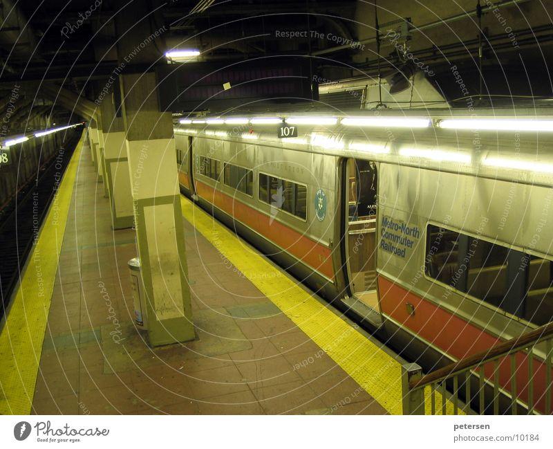 Transport Railroad Tunnel Underground New York City Subsoil Platform