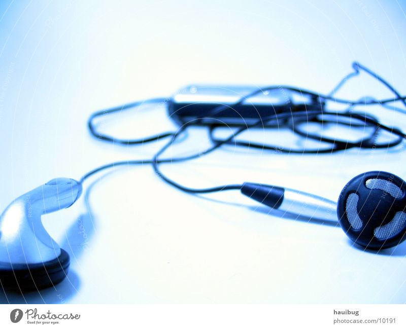 MusicEmpty MP3 player Calm White Think Relaxation Loneliness Entertainment Close-up Blue Technology Cable Bright ponder