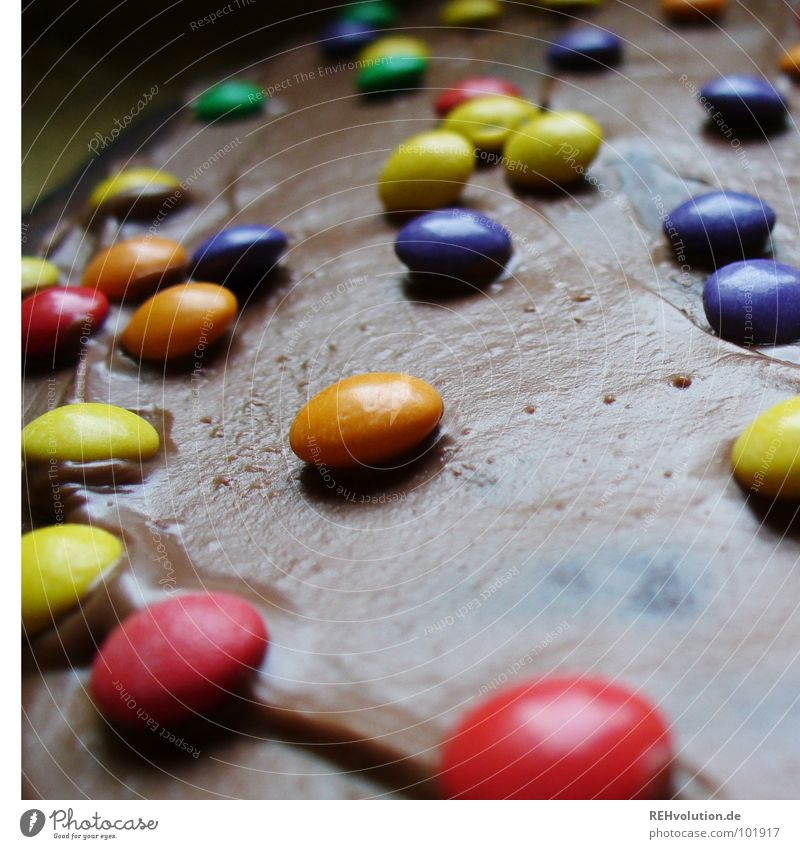 Many many colorful ... ! Multicoloured Chocolate buttons Violet Green Red Yellow Dessert To have a coffee Coffee break Tin Delicious Nutrition Lie Baked goods