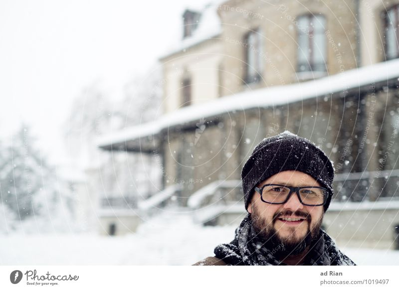 Human being Man House (Residential Structure) Winter Adults Snow Style Building Garden Head Snowfall Masculine Flat (apartment) Ice Living or residing Idyll