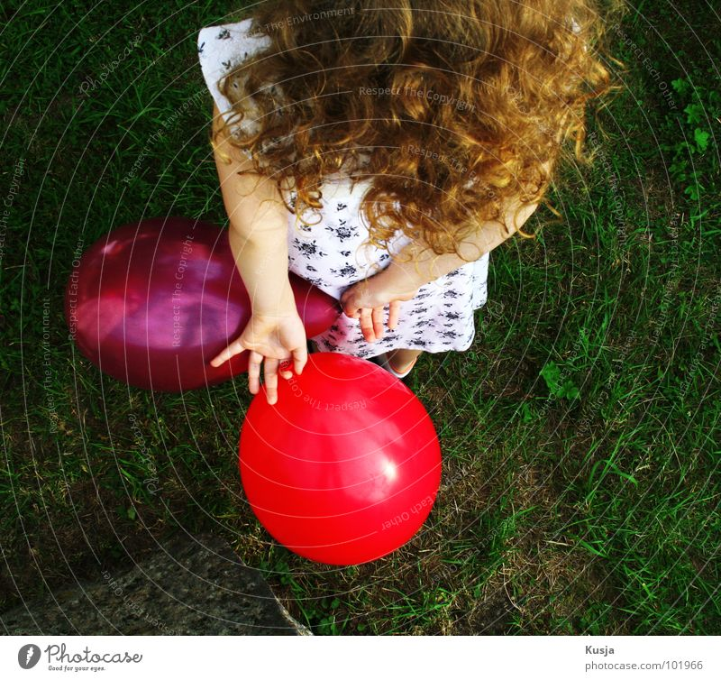 Child Nature Girl Green Red Summer Joy Life Playing Grass Moody Feasts & Celebrations Blonde Balloon Leisure and hobbies Hide