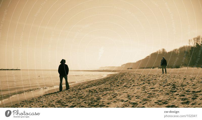 Human being Woman Sky Man Water Summer Ocean Beach Black Far-off places Coast Sand Horizon Air Masculine Waves