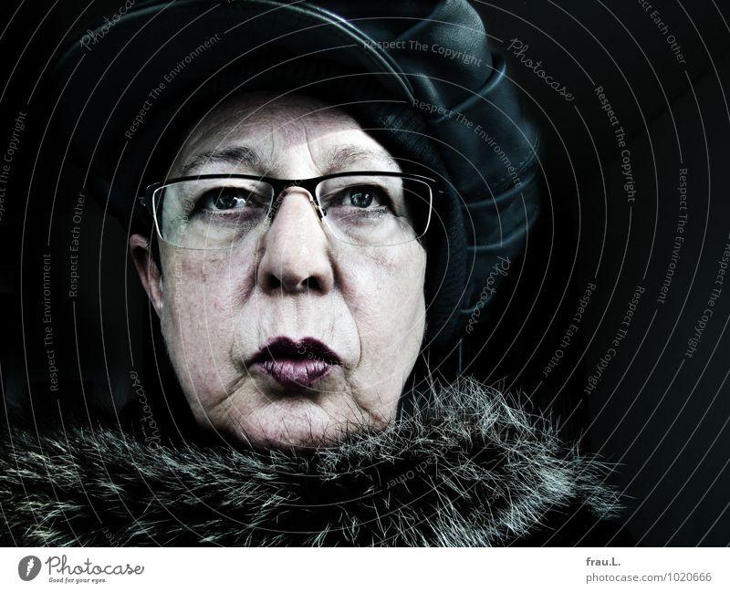 displeasure Style Human being Feminine Woman Adults Female senior Senior citizen Life Face 1 60 years and older Fur coat Eyeglasses Cap Looking Hideous