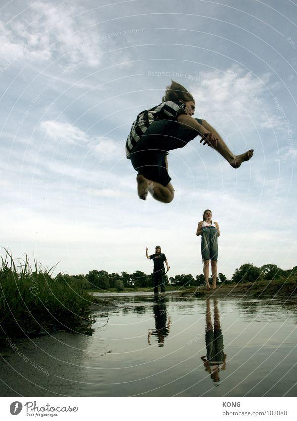 Sky Nature Water Summer Joy Clouds Above Small Jump Tall Large Upward Dynamics Sportsperson Applause Direction