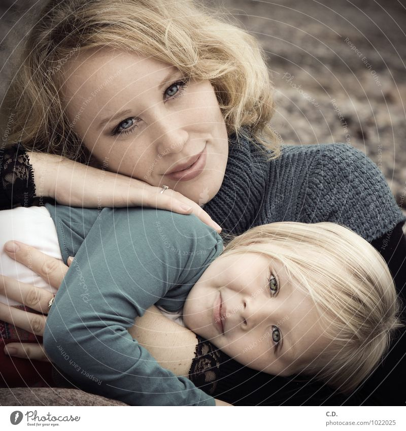 Mother & Daughter Girl Woman Adults Family & Relations 2 Human being 3 - 8 years Child Infancy 18 - 30 years Youth (Young adults) Sweater Blonde Long-haired