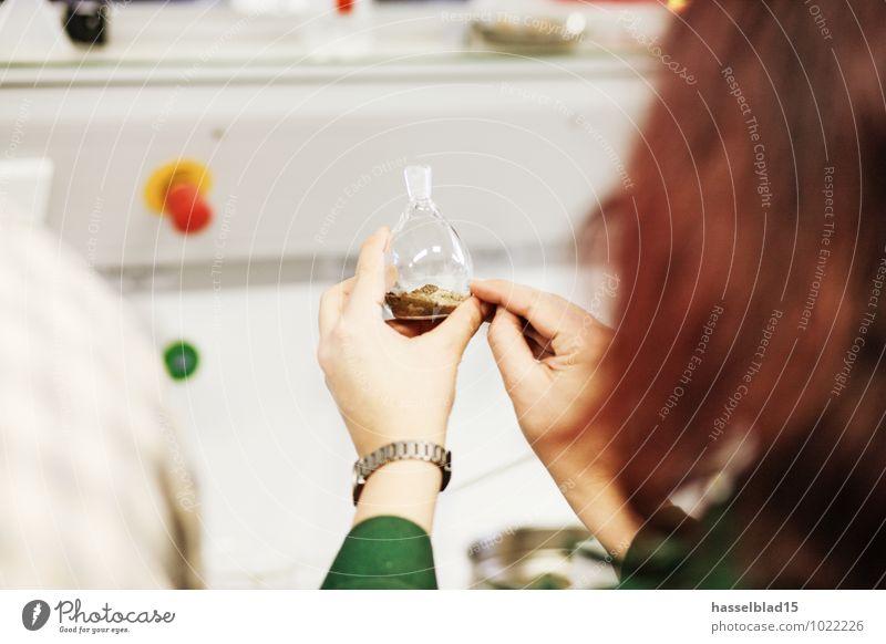 bottle show Feminine Woman Adults Female senior Hand 1 Human being Observe Chemistry Lessons Glassbottle Indicate Investigate Sample Mix Teacher