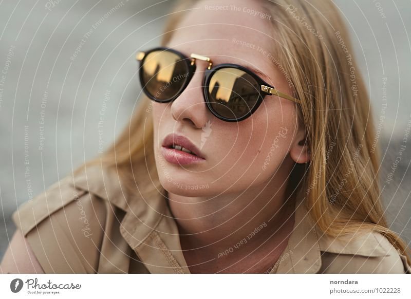 Sunglasses Woman Youth (Young adults) Beautiful Young woman Eroticism Face Adults Feminine Style Hair and hairstyles Fashion Design Glass Gold Blonde Point