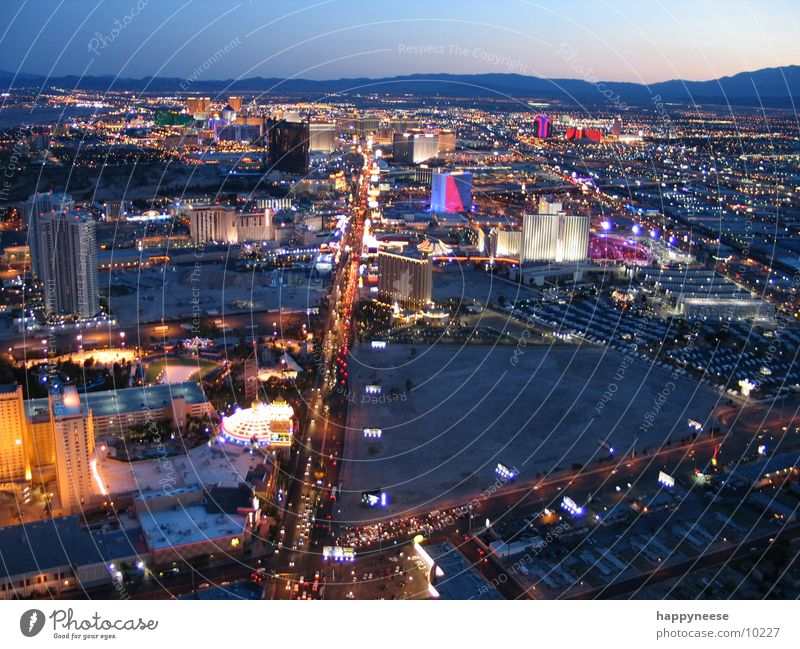 Las Vegas Horizon USA Desert Hotel Skyline Americas Casino Nevada City North America Striptease The Strip Stratosphere Las Vegas