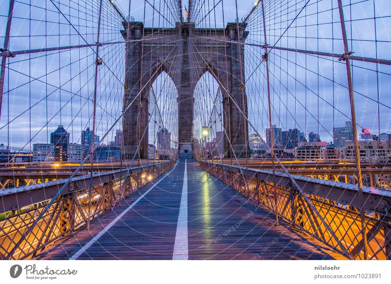 brooklyn bridge 5 pm Vacation & Travel Sightseeing Town Bridge Manmade structures Architecture Tourist Attraction Traffic infrastructure Lanes & trails Blue
