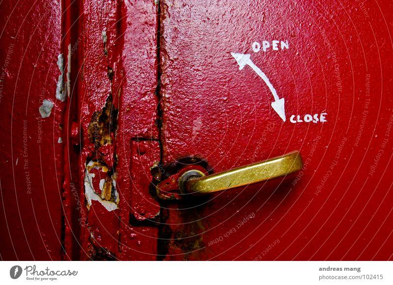 open <-> close Door handle Norway Red Close Undo Broken Closed Rust Detail Old lindesnes trade Metal rusty Arrow arrows