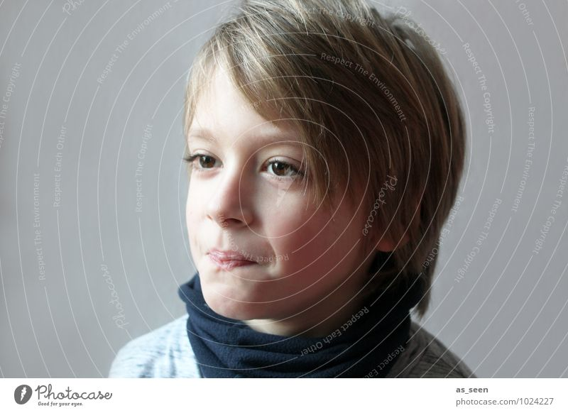 Child Blue Life Boy (child) Gray Hair and hairstyles Brown Family & Relations Authentic Blonde Infancy Communicate Uniqueness Friendliness Desire 8 - 13 years