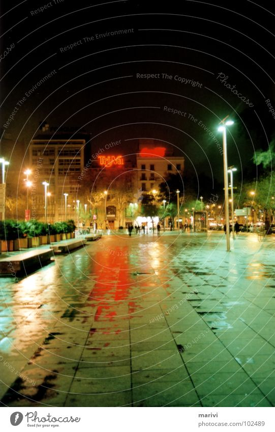 Placa Universidad - Barcelona 2007 Spain Vacation & Travel Night Neon sign Green Red Light Places Wet Damp Loneliness Grief Flashy Multicoloured South Plaza