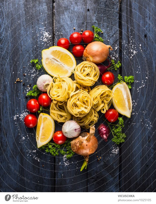 Tagliatelle with tomatoes and spices for tomato sauce Food Vegetable Dough Baked goods Herbs and spices Nutrition Lunch Banquet Organic produce Vegetarian diet