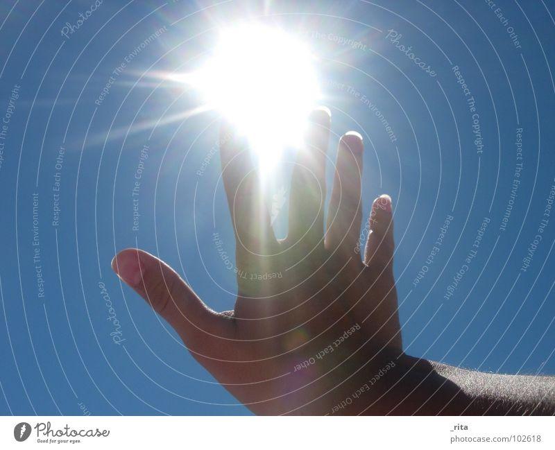 Hand Sun Blue Summer Lighting Fingers Hot Catch
