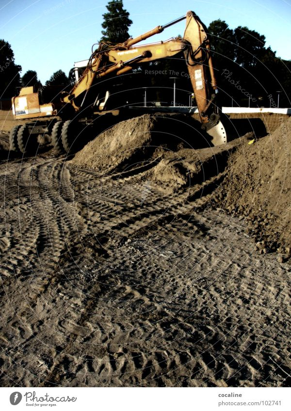 Work and employment Sand Construction site Tracks Craft (trade) Build Excavator Closing time Skid marks