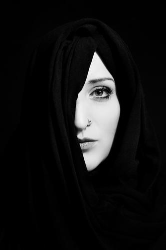 shrouded Lifestyle Elegant Style Beautiful Feminine Young woman Youth (Young adults) Face 30 - 45 years Adults Piercing Headscarf Esthetic Cool (slang) Simple