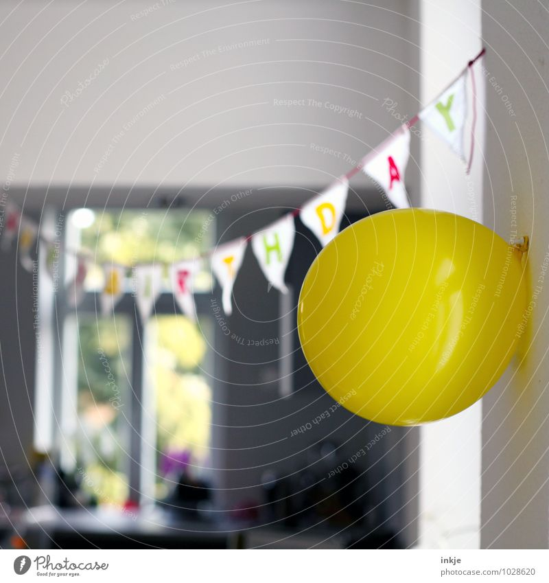 Joy Yellow Emotions Feasts & Celebrations Moody Party Lifestyle Flat (apartment) Leisure and hobbies Living or residing Decoration Birthday Happiness Characters