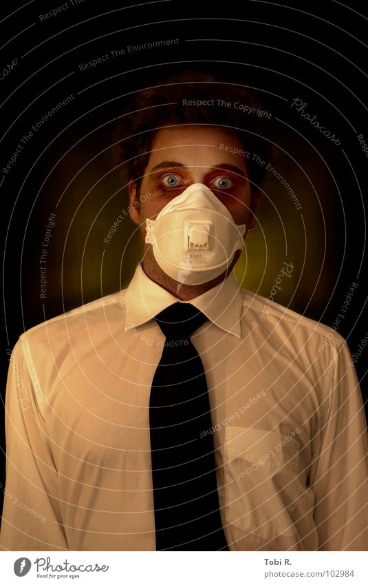 ante mortem Illness Man Adults Head Eyes 1 Human being Tie Mask Aggression Threat Disgust Creepy Crazy Anger Death Pain Fear Force Respirator mask Panic Madness