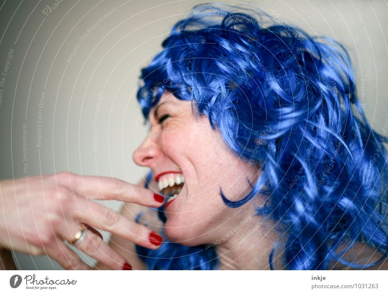 Human being Woman Blue Beautiful Joy Adults Face Life Emotions Funny Hair and hairstyles Laughter Feasts & Celebrations Party Lifestyle Facial expression