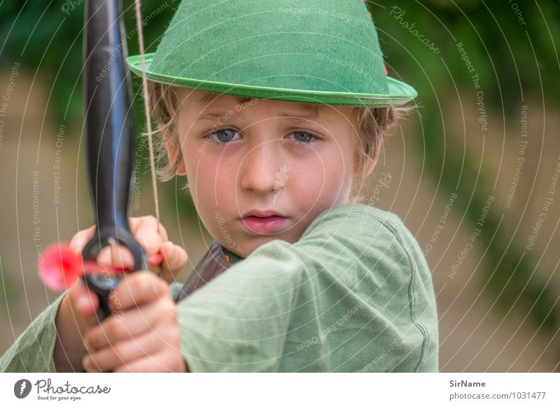 319 Playing arrow and bow robin hood Dress up Boy (child) Human being 3 - 8 years Child Infancy Hat Observe Historic Beautiful Cute Adventure Experience