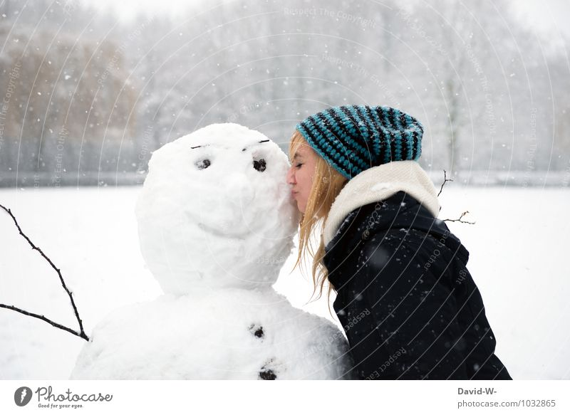 see how happy he is Beautiful Contentment Winter Snow Winter vacation Feminine Young woman Youth (Young adults) Woman Adults Lips 18 - 30 years Artist