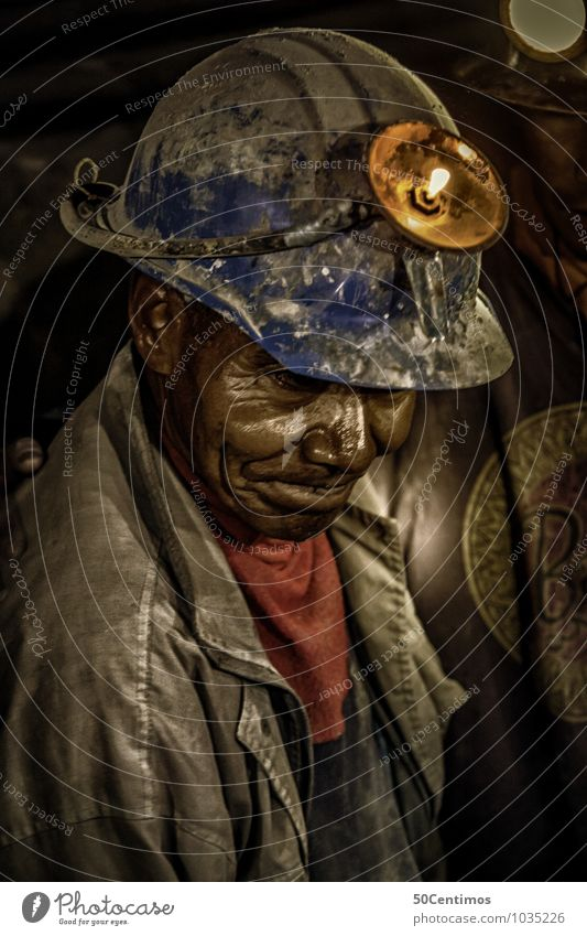 An old miner in Bolivia Work and employment Profession Craftsperson Man Adults Grandfather 1 Human being 45 - 60 years 60 years and older Senior citizen Jacket