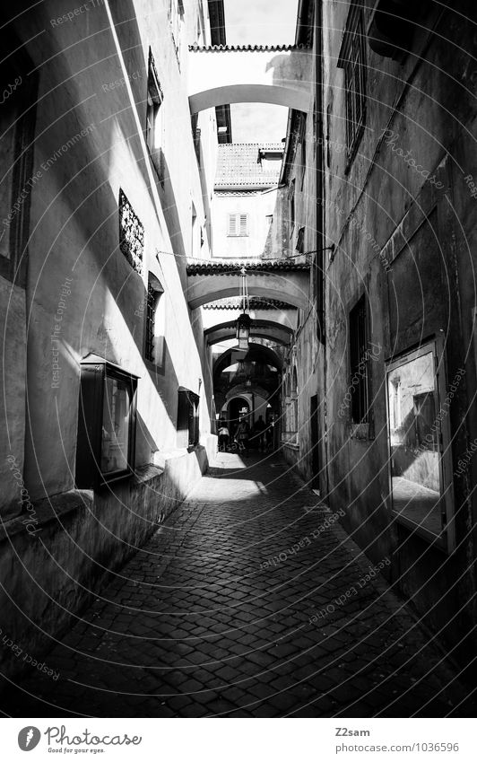 Vacation & Travel City Loneliness Calm Dark Architecture Lanes & trails Moody Facade Gloomy Perspective Simple Transience Historic Old town Alley