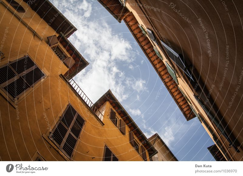 Florentine sky Architecture Florence Italy Europe Town Downtown Manmade structures Building Wall (barrier) Wall (building) Facade Window Shutter Old Historic