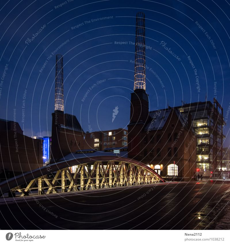 Hamburg Night Town Port City Downtown Old town Factory Bridge Manmade structures Building Architecture Tourist Attraction Landmark Cold Old warehouse district