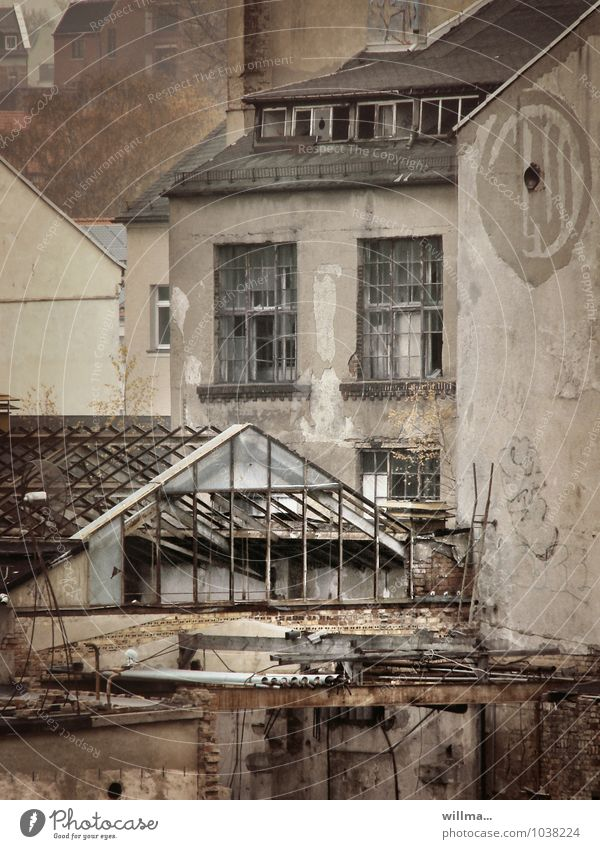 decayed harmony Unemployment House (Residential Structure) Industrial plant Factory Ruin Manmade structures Building Architecture Facade Decline Past Transience
