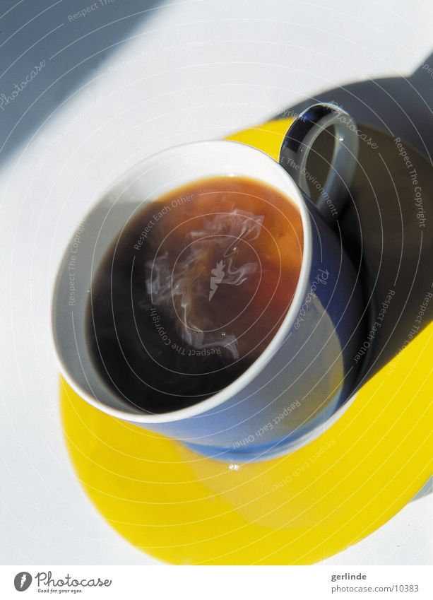Coffee Nutrition Coffee cup Saucer Multicoloured Yellow Blue Hot Hot drink Shadow 1 Round Carry handle Bird's-eye view Colour photo Deserted