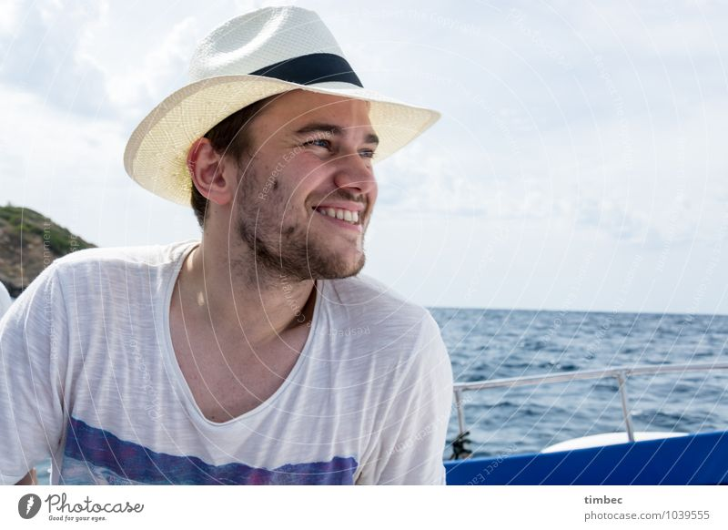 summer vacation Masculine Young man Youth (Young adults) Man Adults Face 1 Human being 18 - 30 years Water Sky Horizon Summer Beautiful weather Navigation