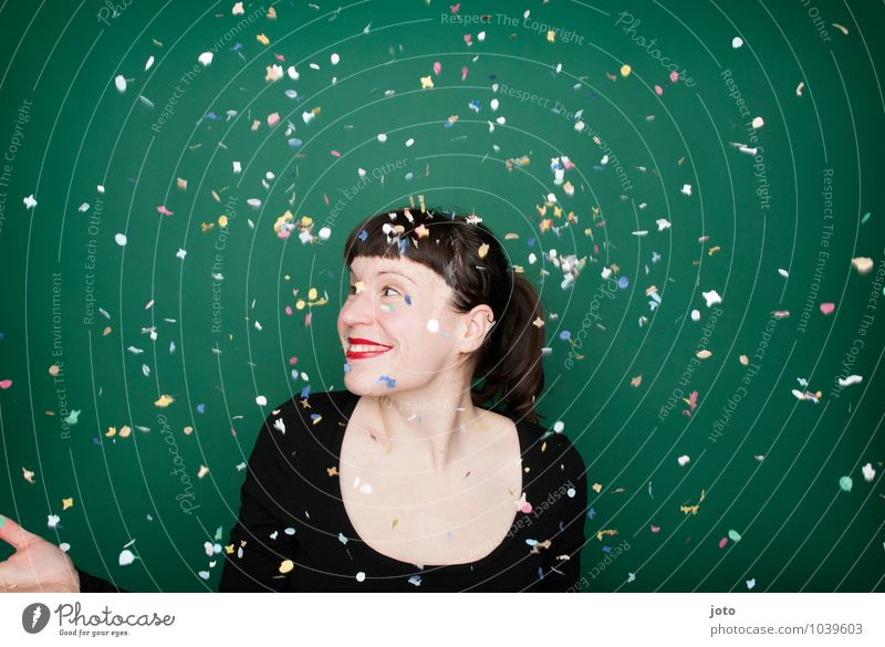 "confetti series ""green"" Joy Happy Night life Party Feasts & Celebrations Carnival New Year's Eve Birthday Human being Young woman Youth (Young adults) Brunette"